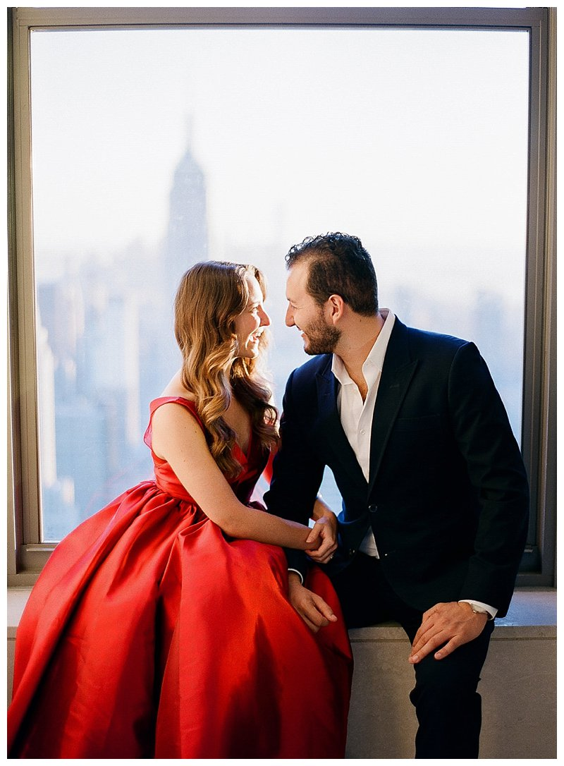 nyc engagement pictures top of the rock